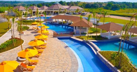 Aquaria Beach Resort in Playa Calatagan